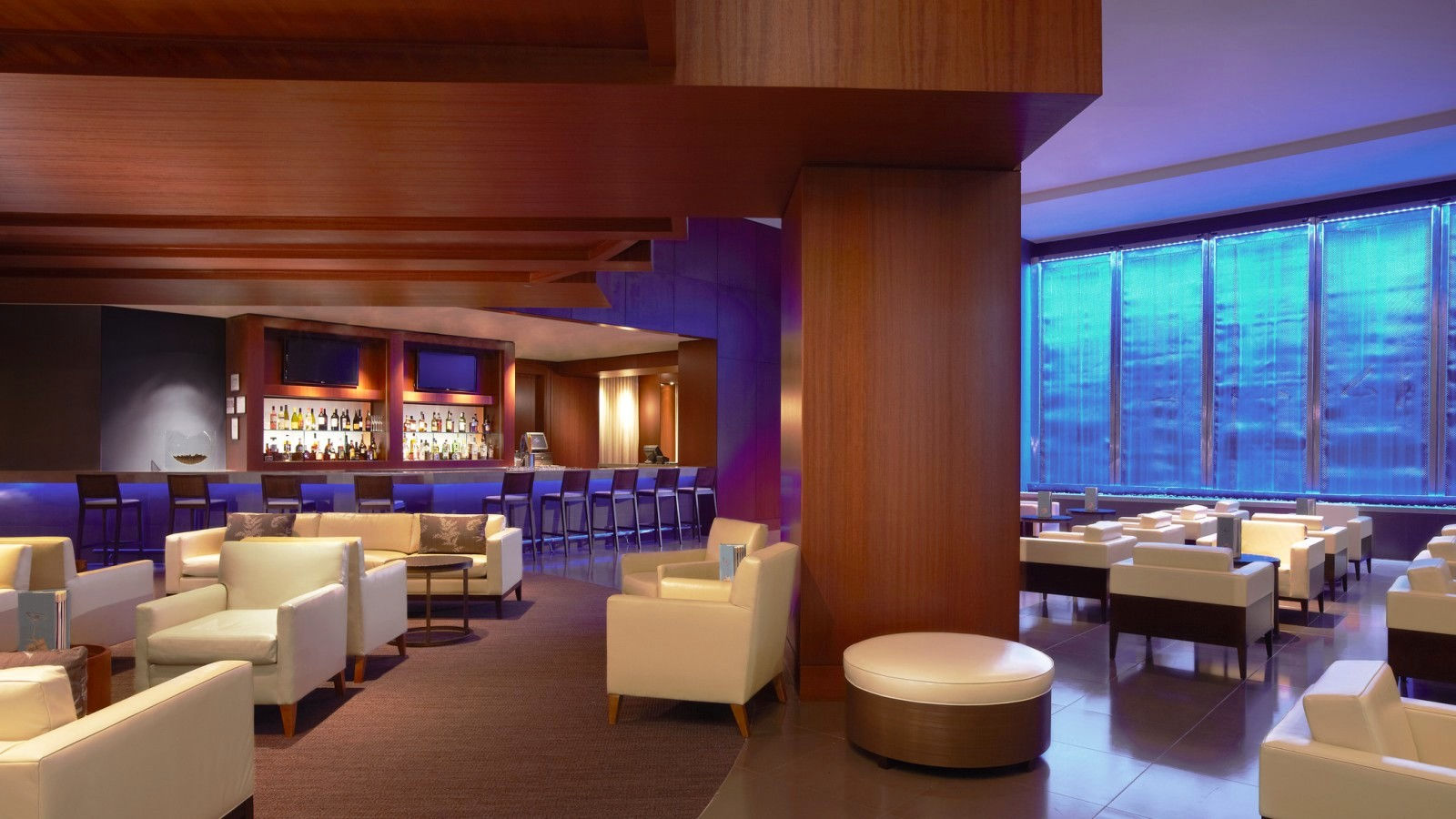 024 Lounge | The Westin Houston, Memorial City